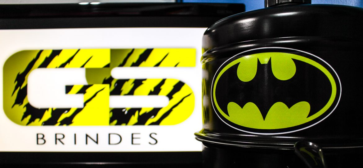 Gs Brindes – Chopeira e Boneco do Batman